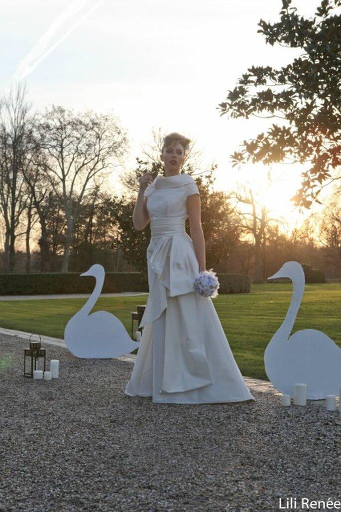 Nombreuses sont les mariées à vouloir garder leur bouquet... - Photo : Lili Renée