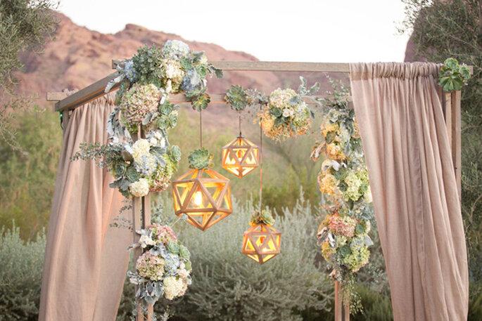 Lo mejor de la geometría en la decoración de tu boda - Foto Amy and Jordan