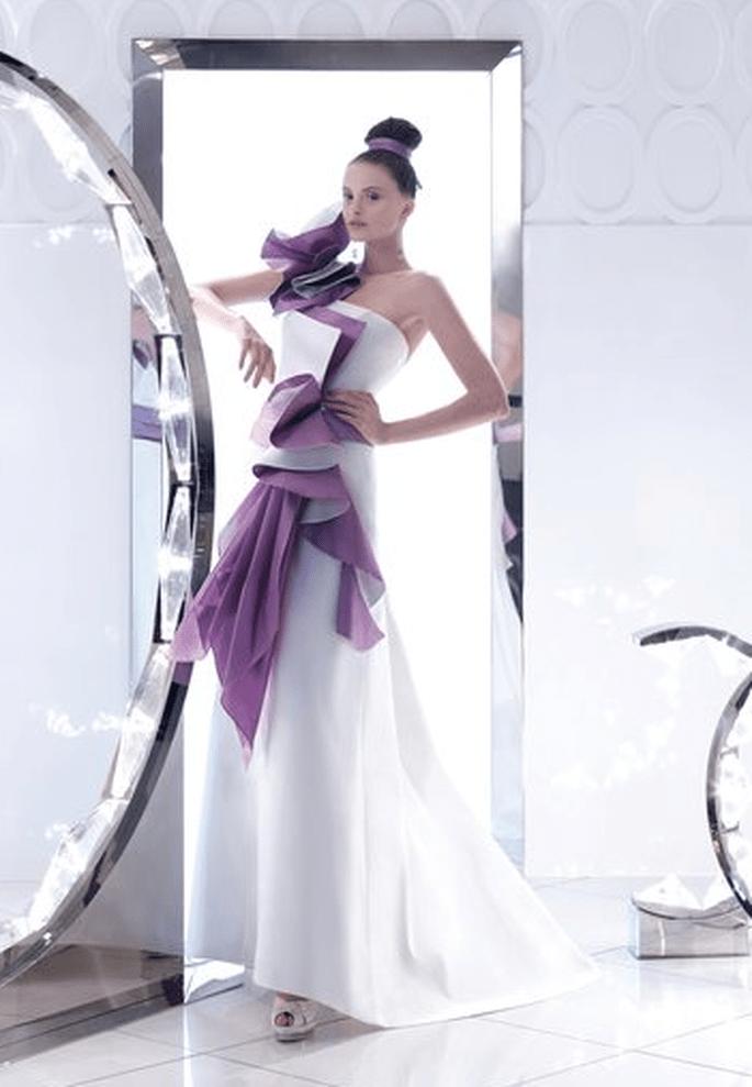 Top Vestiti da sposa originali 2011: abito bianco e viola HN71