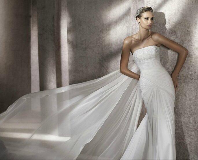 Sencillo vestido de novia. Foto: Pronovias