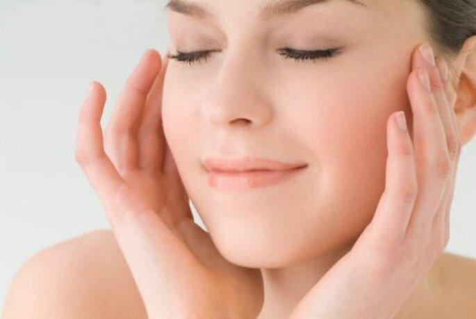 Una pelle pulita è il primo passo per un trucco luminoso e perfetto. Foto www.trovavetrine.it