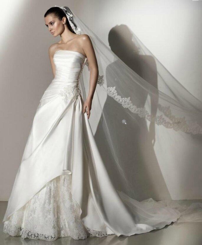 Vestido de novia 2012, corte de gala, corsé asimétrico, strapless. Pepe Botella
