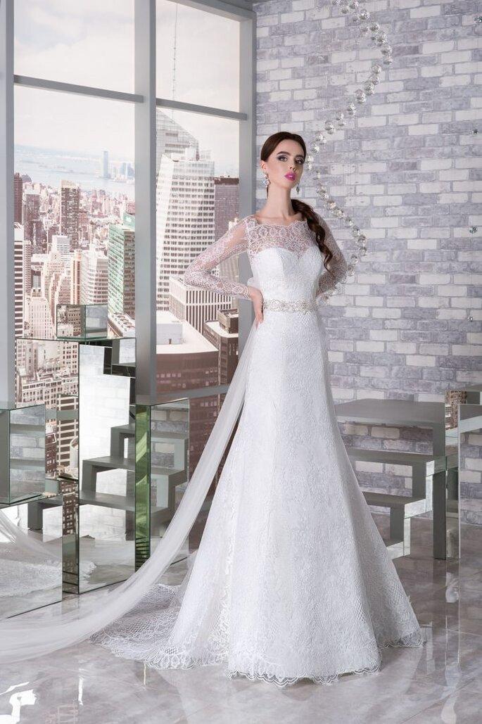 e78105add816b00 Свадебный салон «Валенсия» - всегда в наличии 4000 платьев!