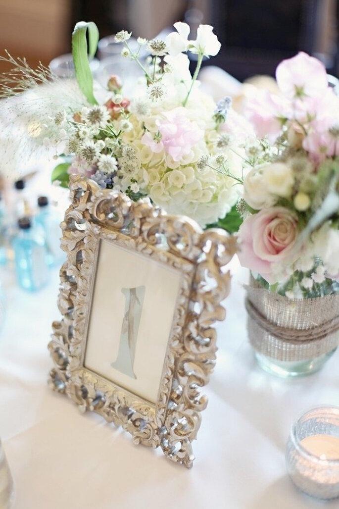Decoración de boda con marcos y portarretratos . Craig & eva Sanders