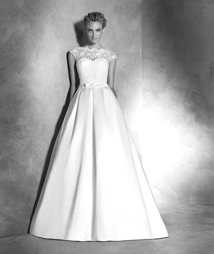 Modelo Ivette da nova colecção 2016 da Pronovias.