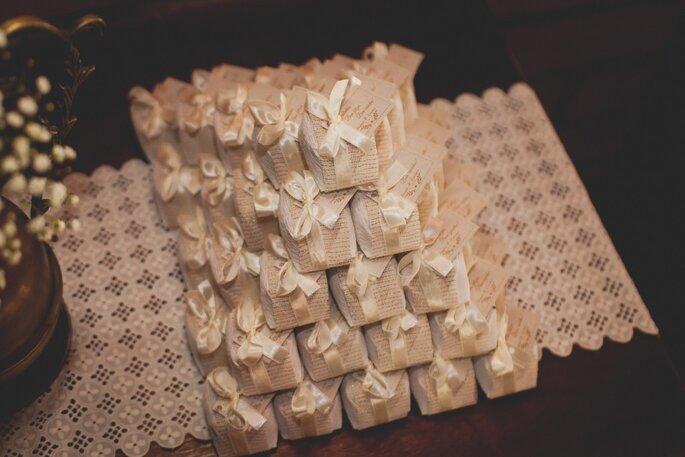 Bem-casados: Carina Mendes Cake Designer. Foto: Noz Fotografia