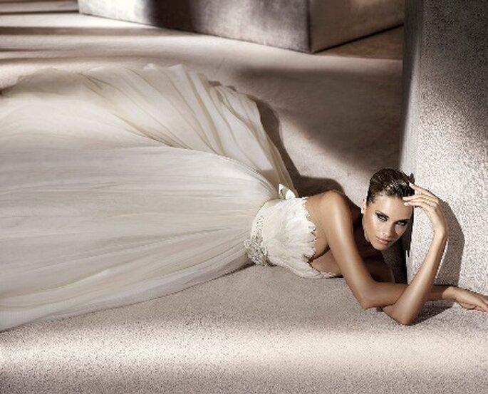 Las novias quieren ser princesa. Modelo Primor de Manuel Mota para Pronovias 2012