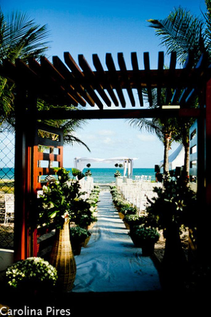 Ja, diesen paradiesischen Ort gibt es wirklich. Heiraten in Brasilien am Strand. Foto: Carolina Pires