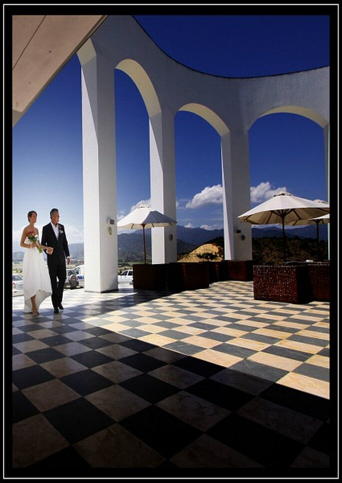 Il matrimonio celebrato all'aperto regala immagini mozzafiato. Foto: Gardner Hamilton