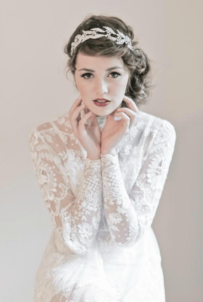 Diadema de pedrería para novia con estilo bohemio - Foto Enchanted Atelier