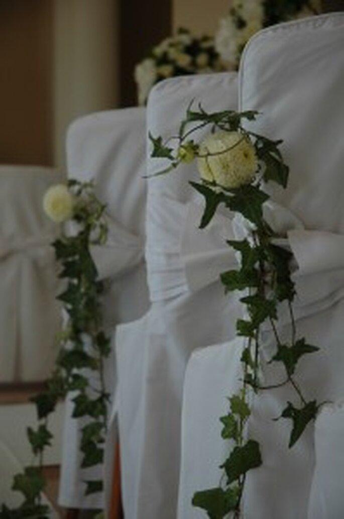 Chaises et bancs fleuris : élégance garantie !