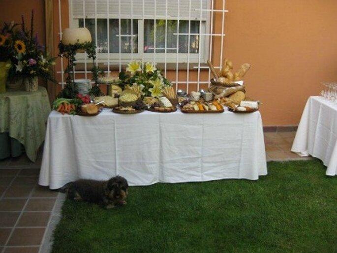 Parte del catering de la pedida de mano: bodegón de quesos y panes