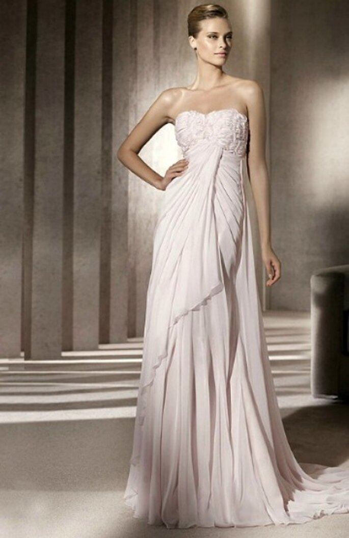 Modelo Bajel. Colección Fashion 2012. Foto de Pronovias