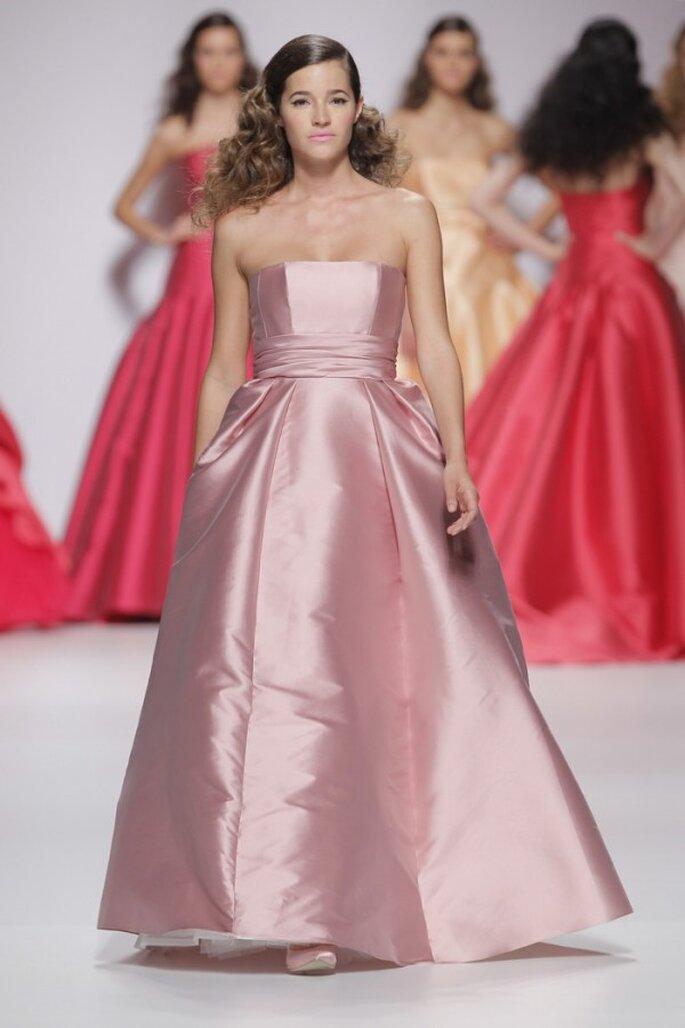 Textiles que irradian estilo: Vestidos de novia primavera 2015 con ...