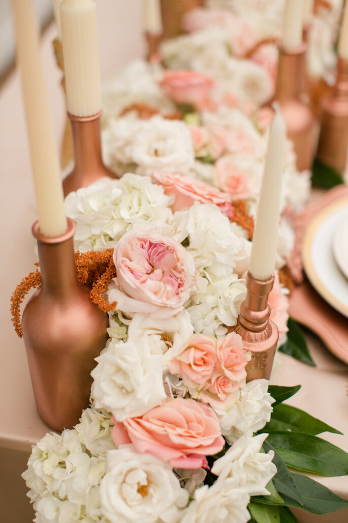 Centros de mesa y montajes en rose champagne - Foto Katelyn James Photography