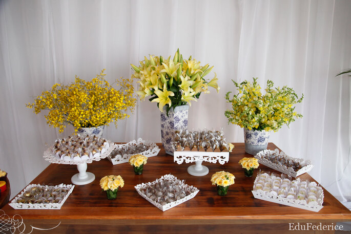 Como decorar a mesa de doces para um casamento em casa # Como Decorar Mesa De Jantar Para Casamento