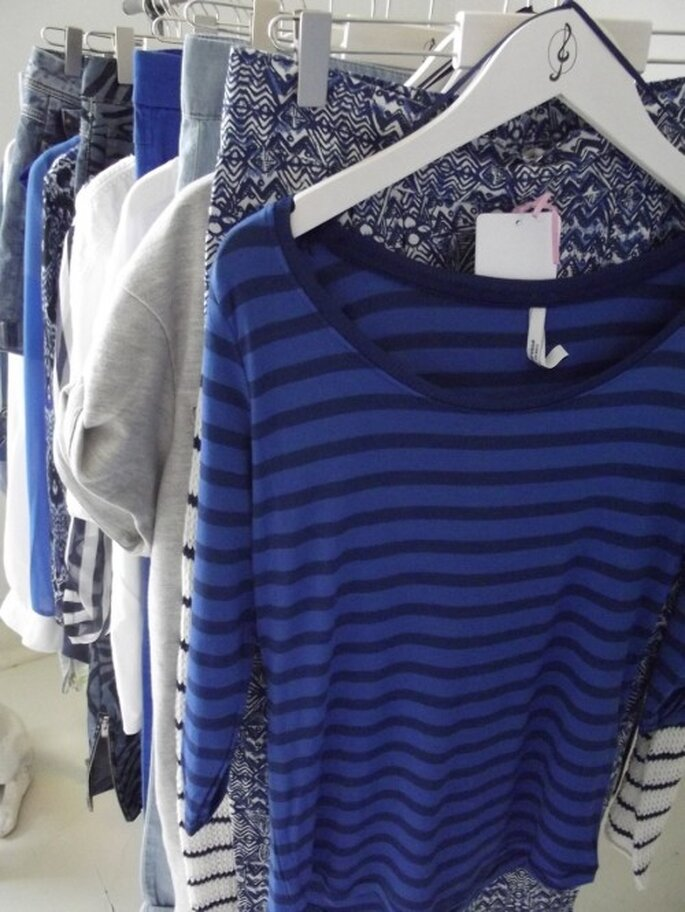 Estampados y prendas casuales en color azul - Foto Melissa Lara