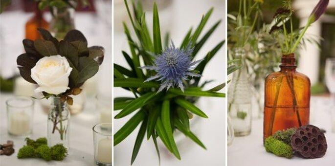Centros de mesa para bodas vintage con flores en solitario - Foto Stephanie Williams