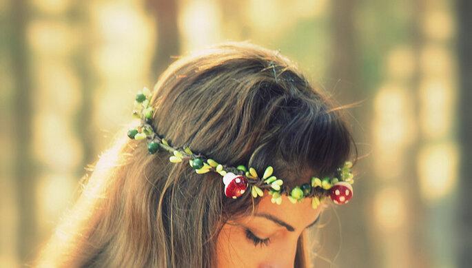 Un toque de estilo rústico en el pelo. Foto: Maria Panayiotou