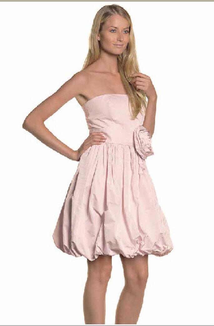 Iside, abito.bustier rosa, con gonna palloncino e cintura con fiocco