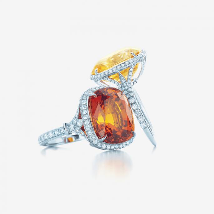 Anillos de diamantes para novia con piedras preciosas en color amarillo y anaranjado - Foto Tiffany & Co