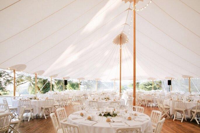 Domaine du Réveillon - la tente extérieure du Domaine du Réveillon prête à accueillir les invités