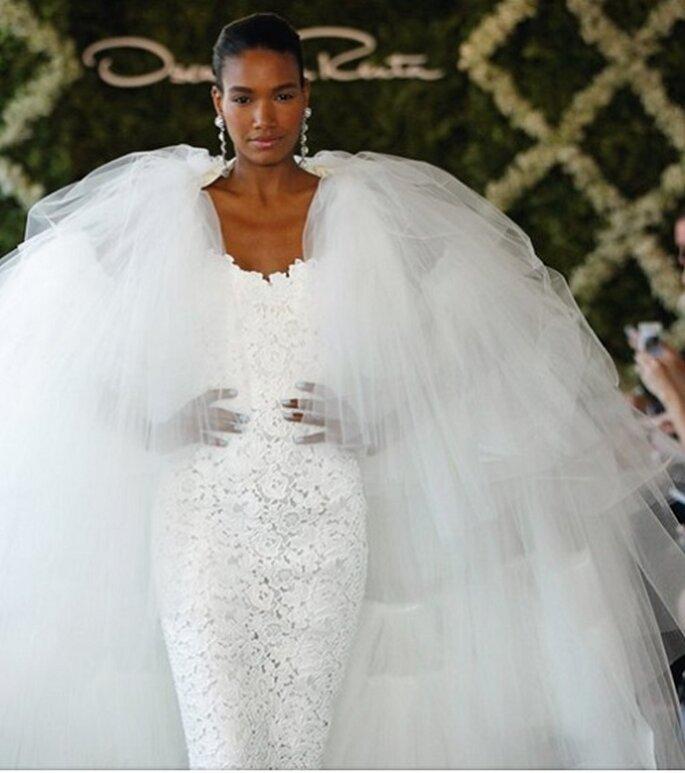 Un voluminoso abito da sposa di Oscar de La Renta. Foto: oscardelarenta.com