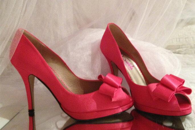 Chaussures de mariée roses fuchsia : top chic ! Photo: Tubodaenrosa.es