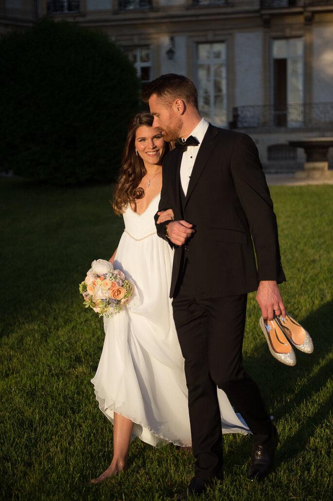@monjardindamour (Fleurs et décoration) @chateau_de_santeny @galatee.couture (robe) @majestecoutureparis (costume) www.derville-chaussures.fr (chaussures marié) @camilledelattre_ (Maquilleuse/coiffeuse) @korloffparis_officiel (bijoux) @coralineball (mariée) Kévin R. (marié) @poseidon1642 (photographe)
