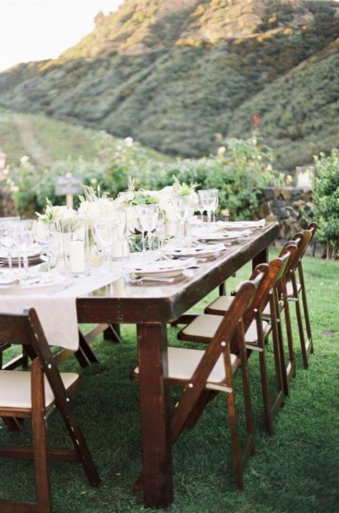 Este tipo de mesas quedan perfectas para bodas de día o de novhe - Foto Stebe Steinhardt