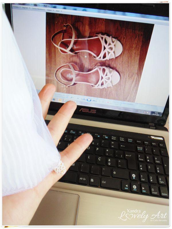 Personalizando a sandalia que a Verdadeira Noiva escolheu para si, e sua Noivinha