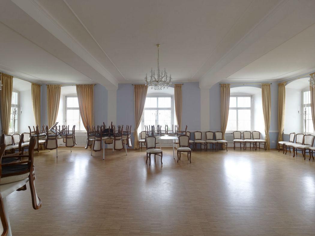Beispiel: Blauer Fest- und Tanzsaal im 1.OG, Foto: Schloss Weiterdingen.
