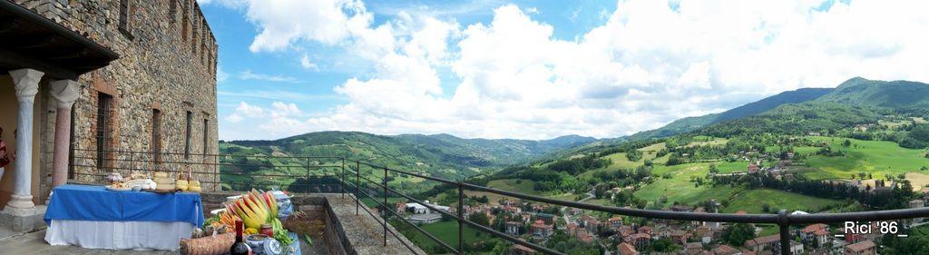 L'esclusiva terrazza panoramica del Castello dal Verme di Zavattarello