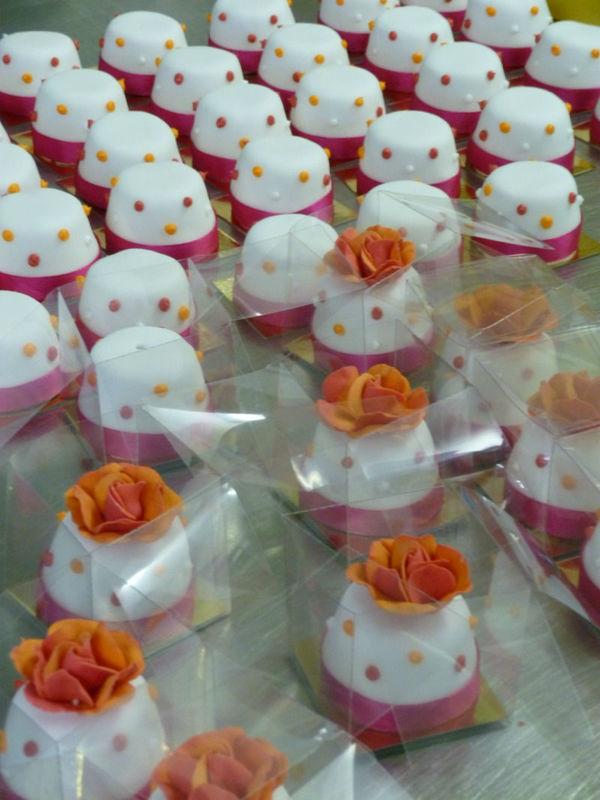 Kleine Überraschung für Ihre Hochzeitsgäste, Foto: Brugger's My Wedding Cake.