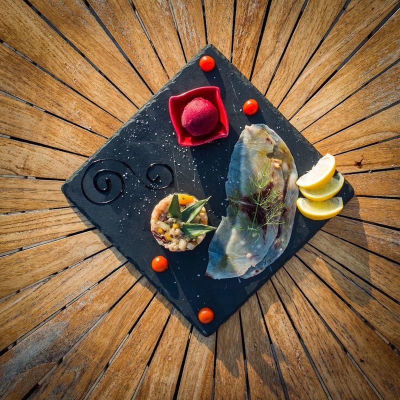 carpaccio et tartare de poisson glace bettrave