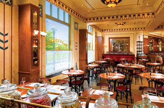 Beispiel: Brasserie Hotel, Foto: The Ritz-Carlton, Berlin