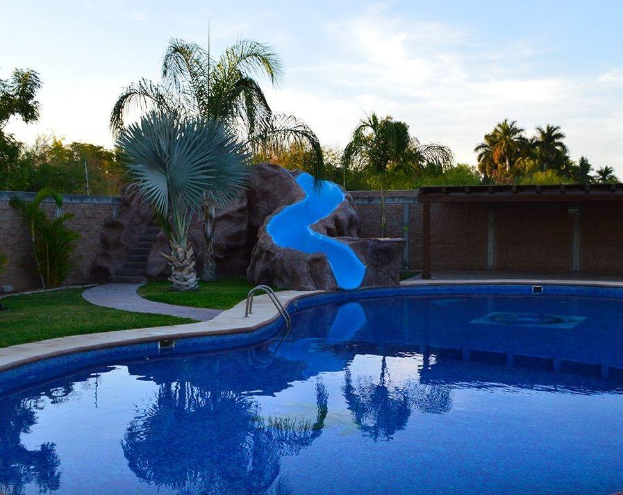 Jardín Los Delfines