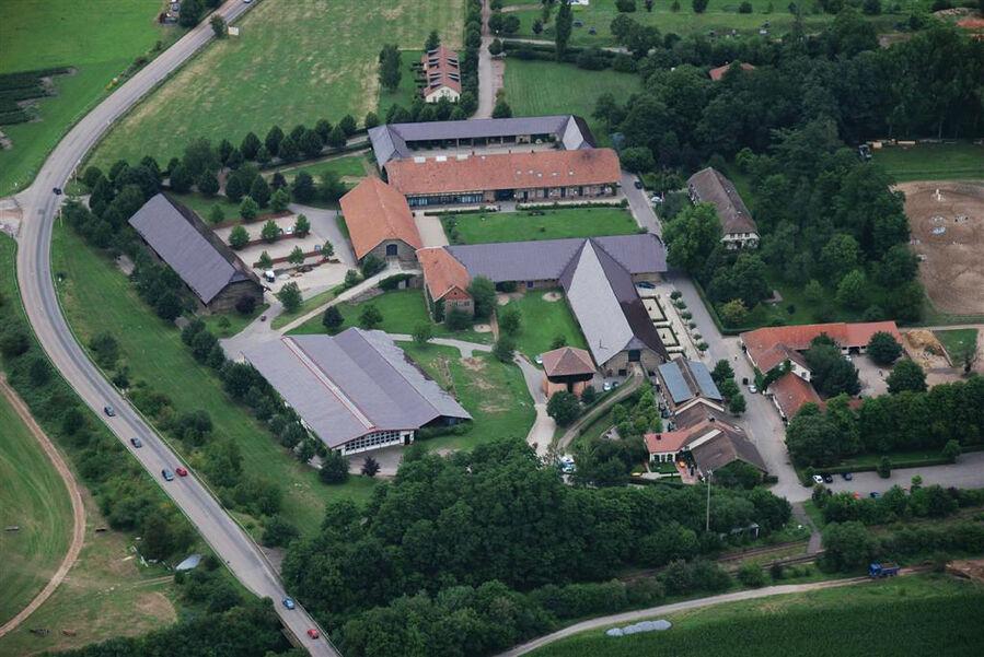 Beispiel: Luftaufnahme, Foto: Romantik Hotel Linslerhof.