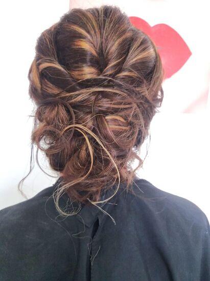 FUORI DI TESTA hairstylist di Elisa Leonardi