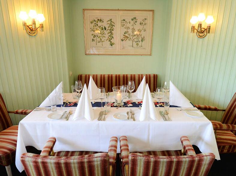 Beispiel: Salon, Foto: Cap San Diego - Hamburger Gastmahl.