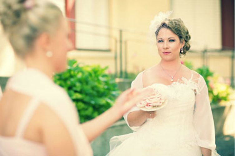 Beispiel: Das perfekte Brautstyling, Foto: Derby Intercoiffure.