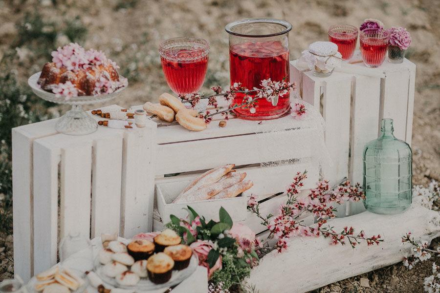 Mesa de dulces almendro