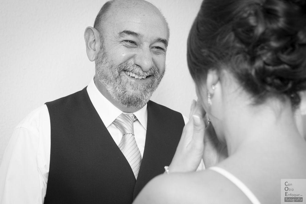 emoción de padrino, emoción de la novia. Boda en salones Roquenublo (Valencia)