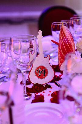 Décoration de table Rock&Roll, pour des mariés musiciens.