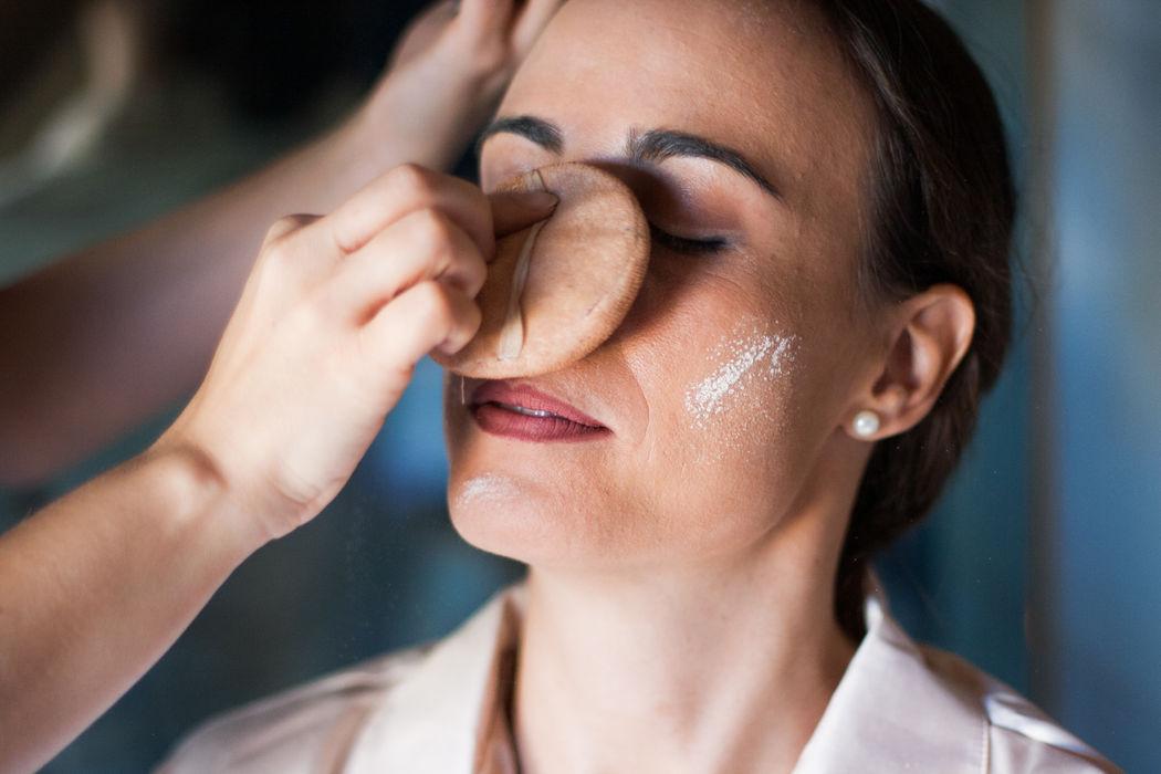 Detalle maquillaje de Novia.