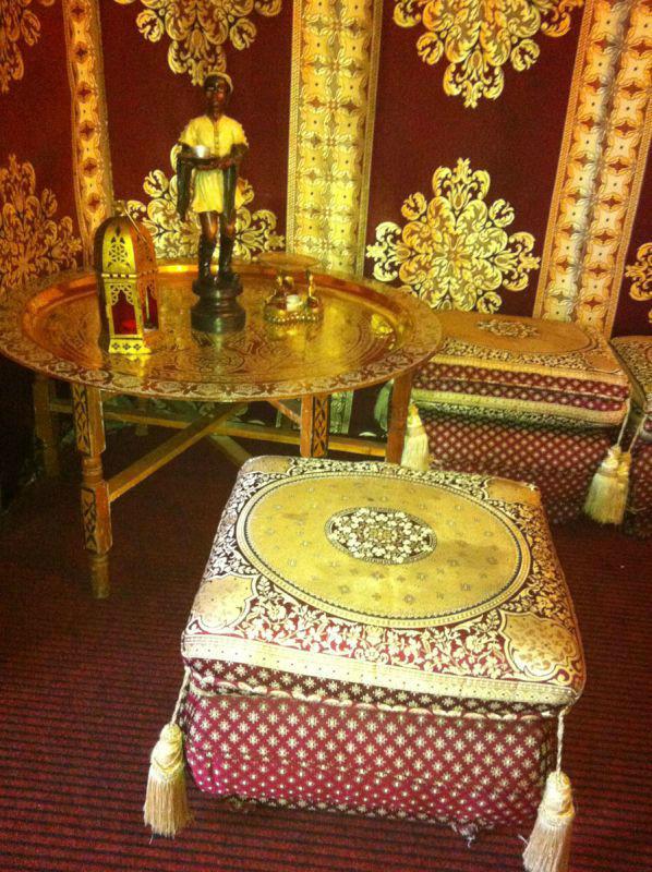 Beispiel: Dekoration - Tisch, Foto: MADI - Zelt der Sinne.