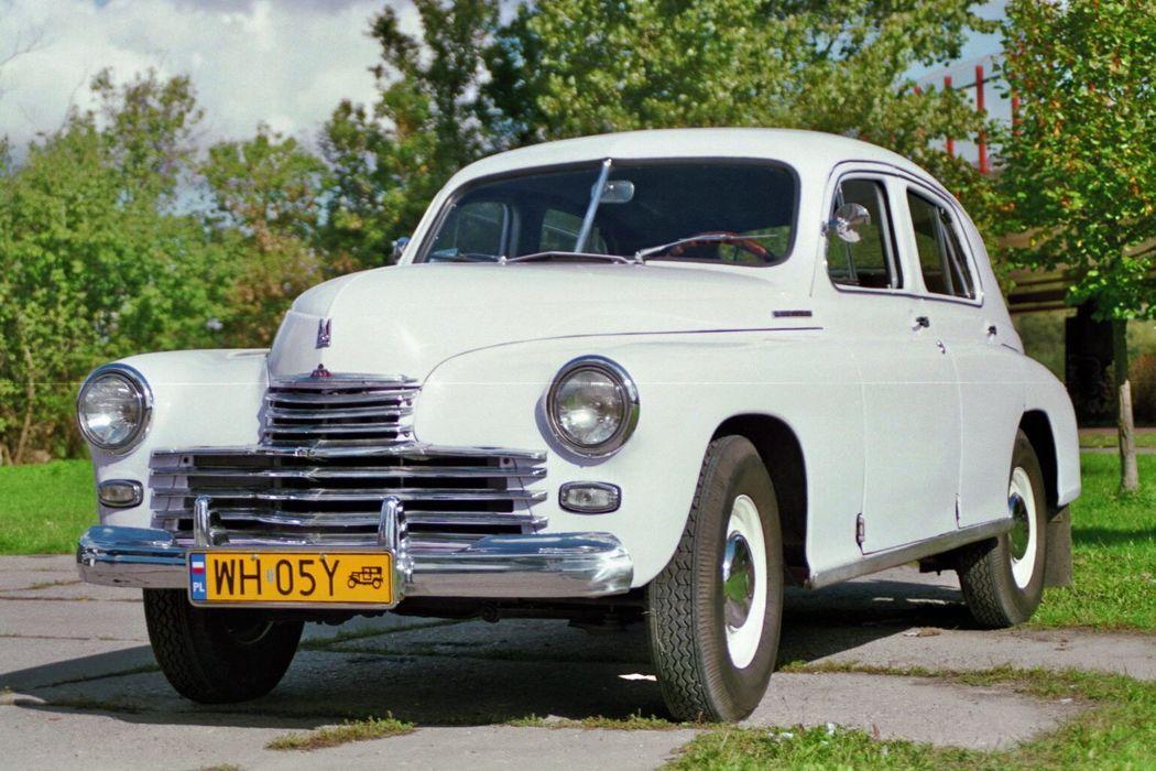 Warszawa M-20 z 1952 roku.