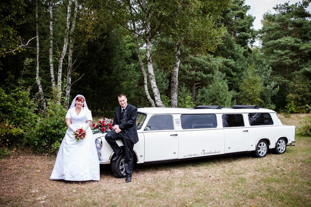 Die schicke Trabbi Limo als Hochzeitskutsche.