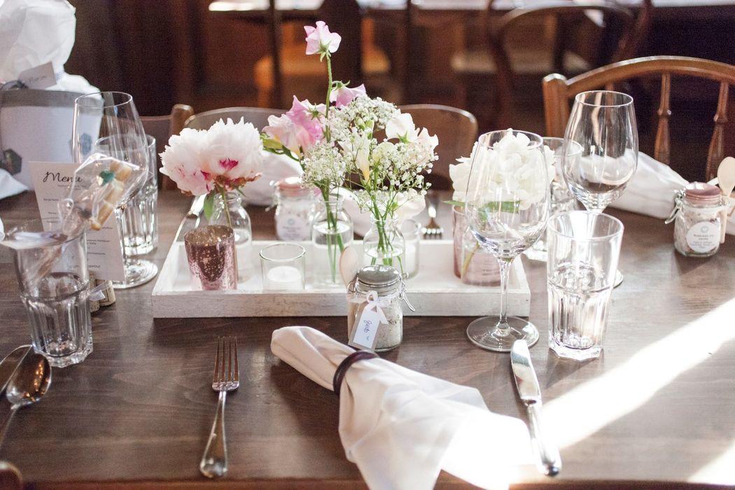 Beispiel Tischdekoration  Peonie Wedding