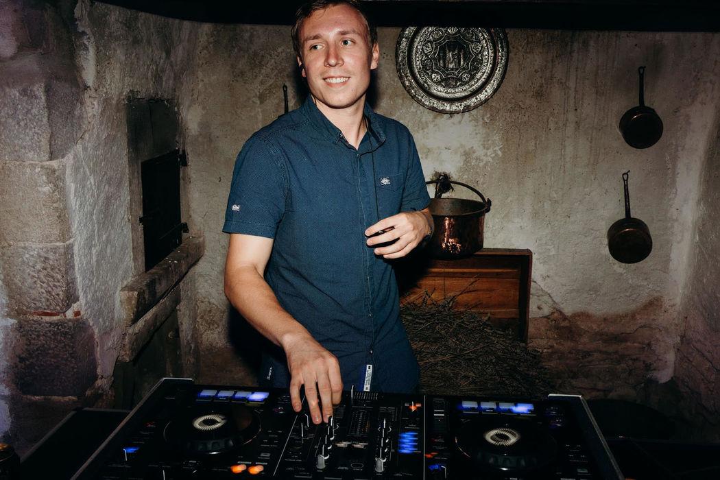 DJ James Carr